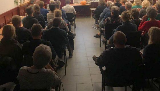 Overvolle zaal tijdens informatieavond in september