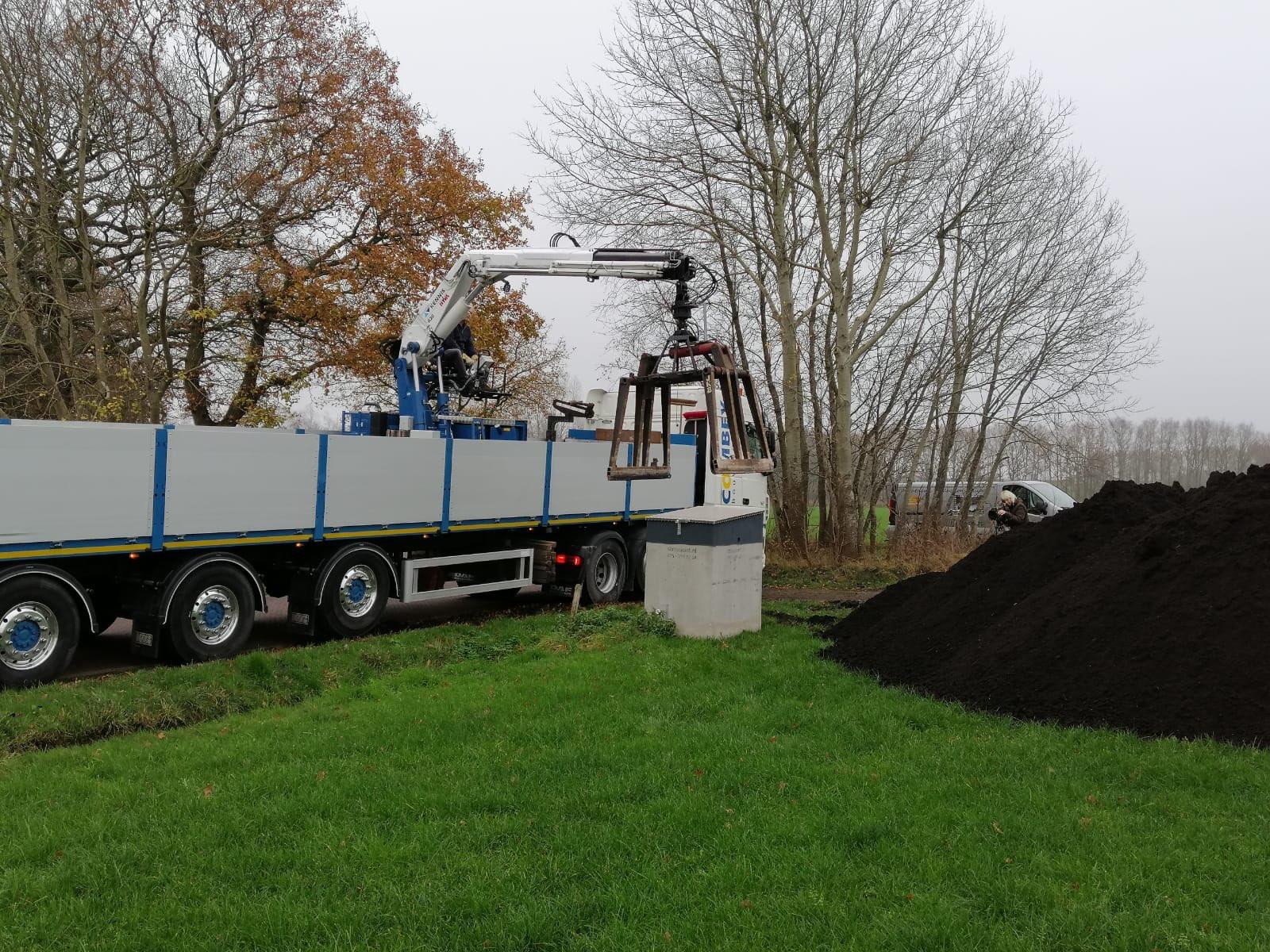 Lavameel en compost op Hof van Rhee